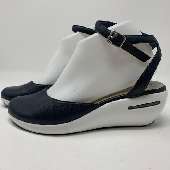 Rockport Shoes - Rockport. Navy Blue Wedges Size 8 (122)